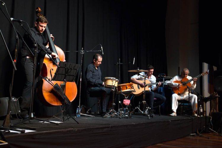 Melbourne Live Spanish Acoustic Guitar Thomas Lorenzo