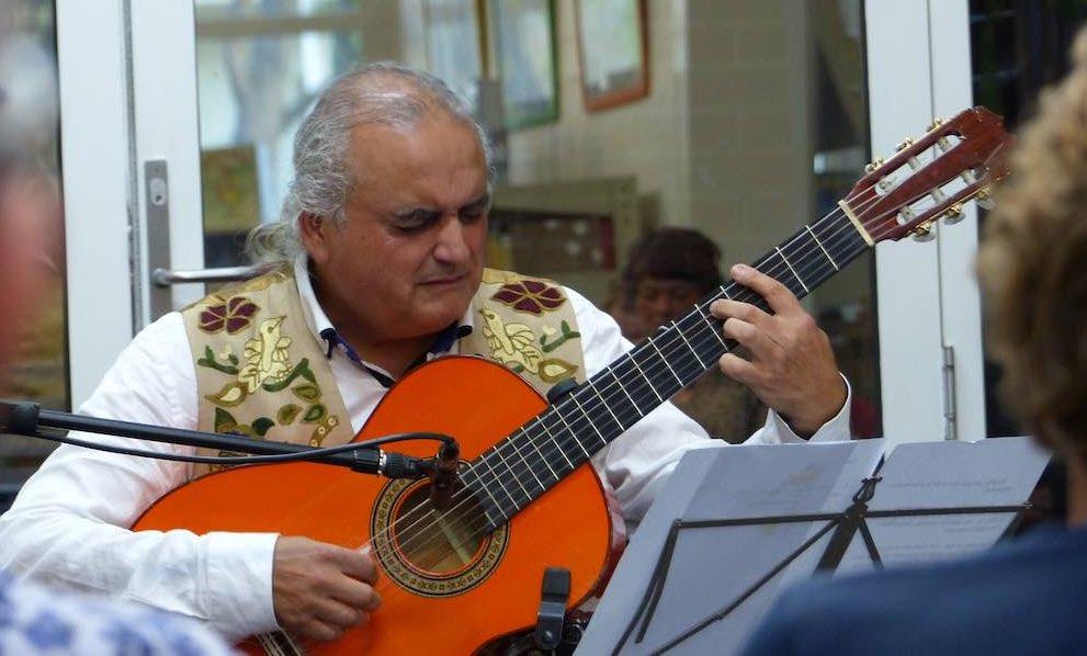 Live Flamenco Spanish Guitar Music in Melbourne LA guajira